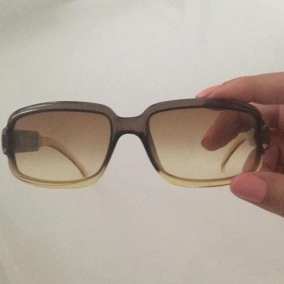6f1d9cd36bd Gucci Accessories - Gucci women s sunglasses vintage retro